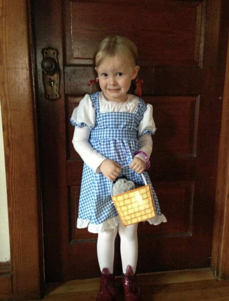 Girl in Dorothy halloween costume