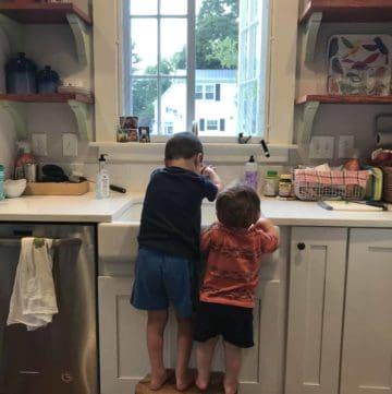 kids at kitchen counter